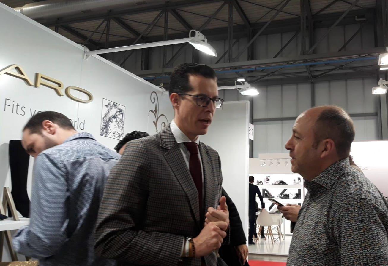 Alfaro ha mantenido diferentes reuniones con los fabricantes de Elda y de  la comarca que toman parte en Micam d52ebeff7ae9