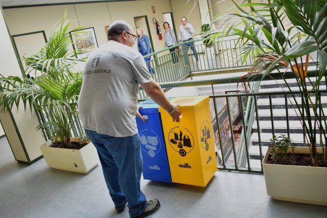 Contenedores ligeros reciclaje Petrer