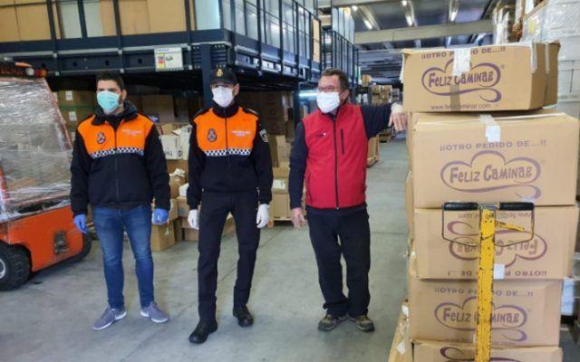 La empresa Feliz Caminar de Villena a donado 1000 pares de zuecos para el Hospital de Elda Petrer