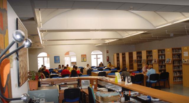 Biblioteca Pública Municipal Poeta Paco Molla