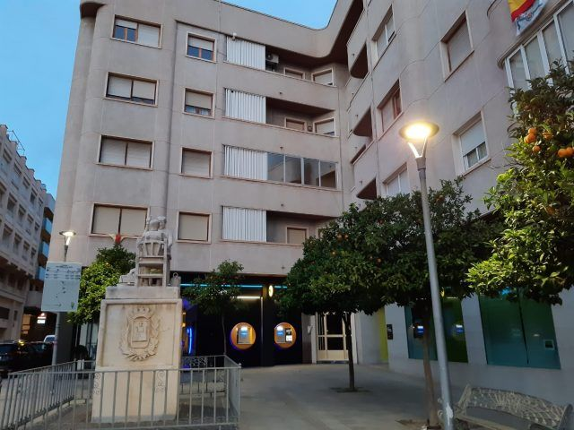Alumbrado renovado en la Plaza del Zapatero de Elda 2020