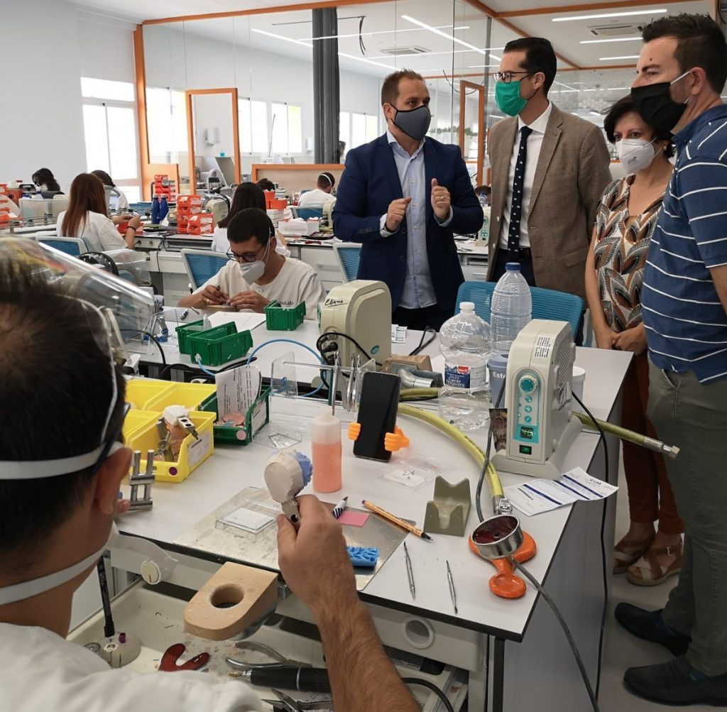 Conselleria de Educacion ha concedido a Elda la formación de técnico superior en Prótesis Dental.