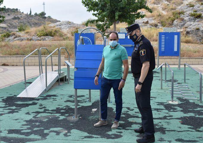 La Policía Local de Petrer sancionará con hasta 1.500 € los actos vandálicos en parques y jardines