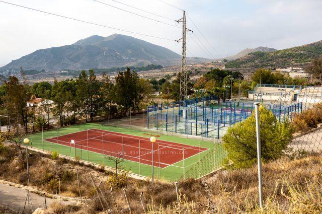 Pistas de tenis del Complejo Deportivo de San Crispín Elda