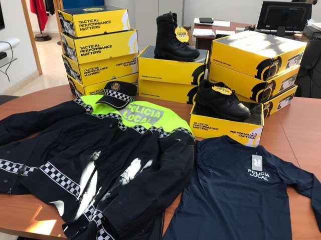 Renovación del vestuario oficial y los complementos de la Policía Local de Elda y de Protección Civil