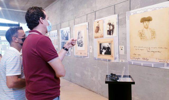 Muestra fotográfica con los 75 años de historia de la Plaza de Toros de Elda