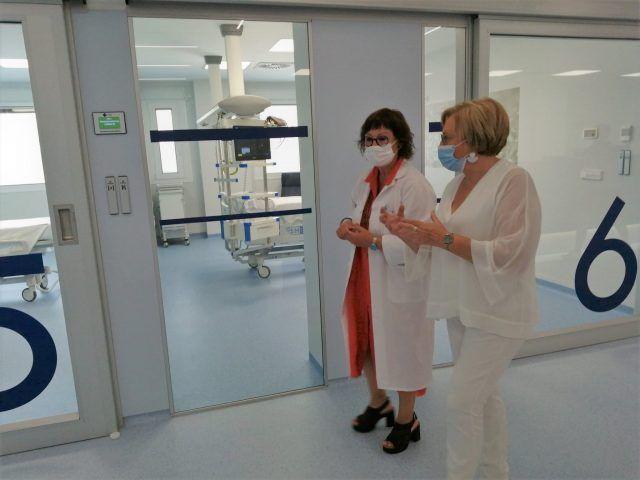 La consellera de Sanidad Universal y Salud Pública, Ana Barceló, ha visitado las obras de mejora llevadas a cabo en el Hospital de Elda