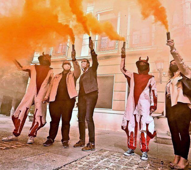 La colla Els Dimonis Rafolins, de l'Alqueria d'Asnar, ofrecerá en el campo anexo al viejo Pepico Amat un espectáculo de gran formato que combina danza, música, teatro y pirotecnia